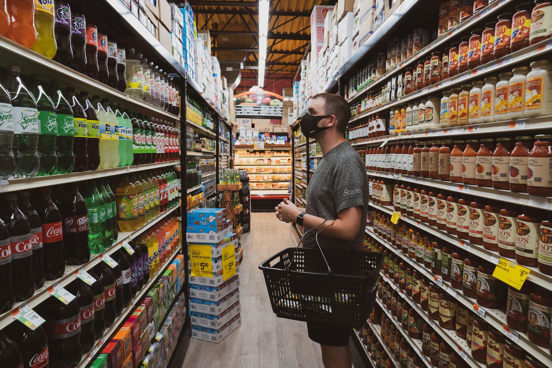 Sådan sparer du penge på mad i en travl hverdag